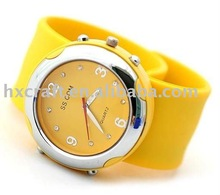 Fashion design high quality silicon snap strap watch