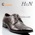hombre de diseño de calzado