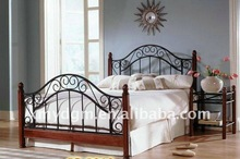 2011 Autumn new metal double bed with hardwood post(ML-080)