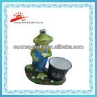 Resin garden pot with frog figurine