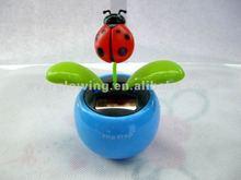 Plastic dancing plant flip flap solar flower