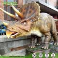exposición del museo del animatronic bebé dinosaurio triceratops de modelo