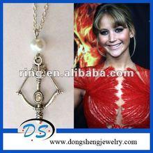 Prua katniss' perla fame giochi ispirati collana arco e freccia/film gioielli