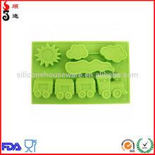 cartoon train design silicone ice cube tray