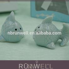Ceramic material kissing fish shape salt and pepper shaker wedding door gift