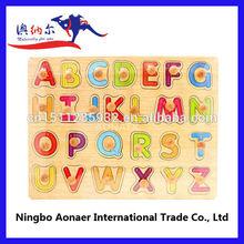 Luckytree hochwertigem holz knopf puzzle, pädagogische spielzeug puzzles, großhandel holz-buchstaben-puzzle für kinder