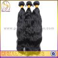 Distributeurs de produits de couleur noir femmes. enchevêtrement sans cheveux naturels