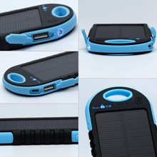 2015 china new solar power charger with lithium battery water resistance portable solar charger led street light for iphone 6