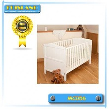 US design wooden baby crib with three gear and white /walnut colors