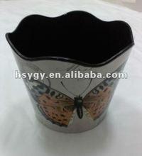 Round flower pot