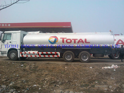 Fuel tank truck,european standard tank truck,howo truck