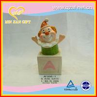 2012 hot selling porcelain figurine
