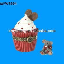 Good selling resin wedding cake red wedding favor boxes