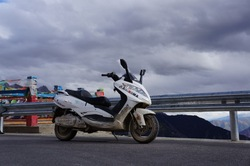 8000W high power electric motorcycle succeed in Tibet sky road