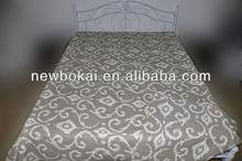 Elegant printed quilt for Europe