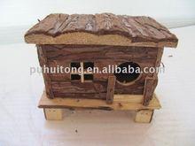 Bark surface wooden hamster house