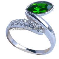good quality crystal glued silver color fashion unique tungsten titanium alloy ring