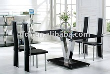 2015 new design hot sale temperred glass dining table