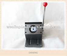 32mm round shape pin button manual paper cutter with high quality