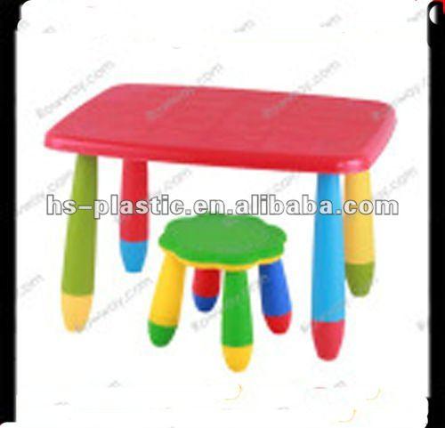 Mesa de plástico y silla para los niñosSillas para niños
