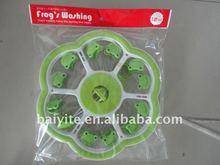 frog plastic hangers,clothes cartoon hangers,hangers with pegs