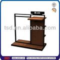 Tsd-w471 présentoir de vêtements / retail store tissu affichage hanging rack / custom bois métal vêtement boutique accessoires