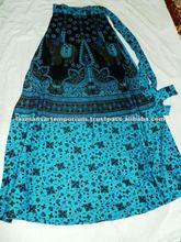 Impreso para mujer faldas largas del abrigo del modelo