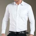 Camisas de vestir blancas del hombre de vente mayor