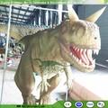 parque de diversões andar de halloween traje de dinossauro