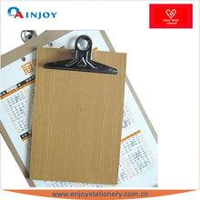 Placa de grampo de madeira