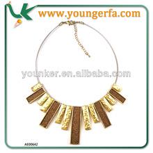 Customized luxury Art Decoration Gold Powder Alloy Necklace