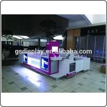Boutique retail fixtures for phone shop display showcase