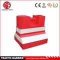 plástico jersey barreiras na estrada