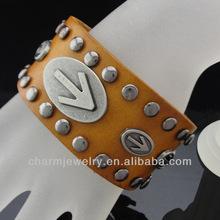 Moda cinturino in pelle largo bracciale con borchie bgl-077