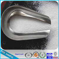 Rubber grade stearic acid flakes