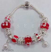 Alloy buckle bracelet glass beads