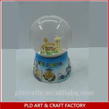 Custom polyresin Water snow globe with city inside