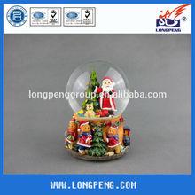 Polyresin Christmas Musical Snow Globe