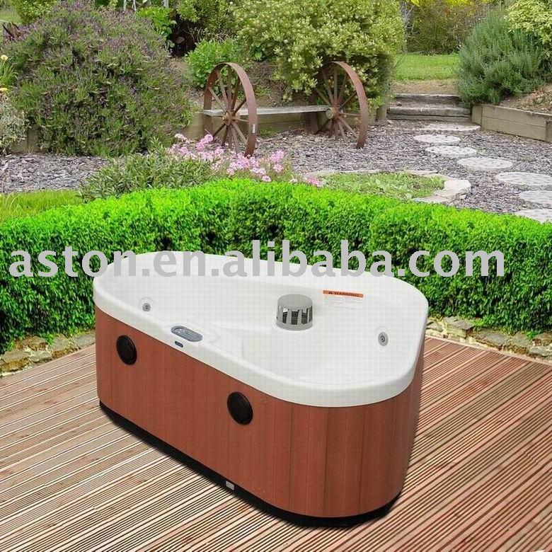 agile mini dreieck massage whirlpool im freien spafa. Black Bedroom Furniture Sets. Home Design Ideas