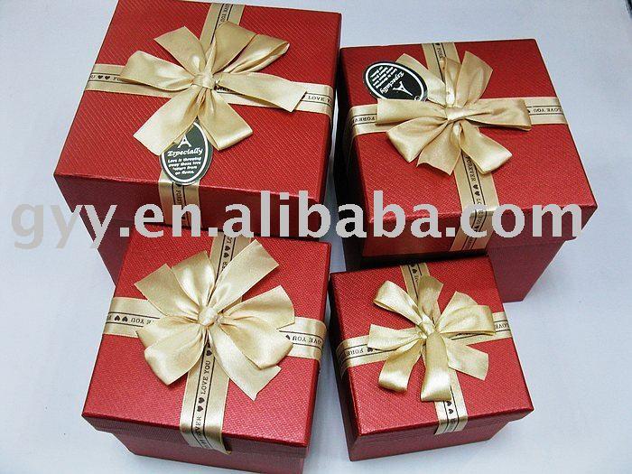 Imbriqu e de no l rouge carton rigide coffret cadeau - Emballage cadeau boite carton ...