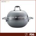 haut couvercle de dôme faisant cuire le wok