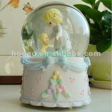 2012 new gift item wedding souvenirs snow globe