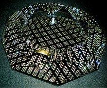 2012 Latest style engraving diamond cut crystal ashtray