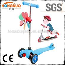 foot stepping kick children scooter
