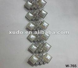 Best price!!! fashion rhinestone crystal bridal trim for bags or clothes
