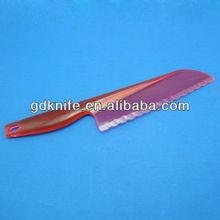 Plastic cake knife