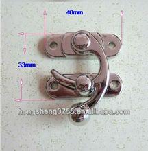 Metal lock closure for box