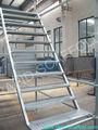 la escalera de acero