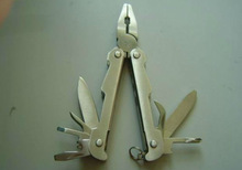 Gift multi pocket tool knives with entire steel