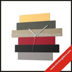2013 design fashion glass wall clock
